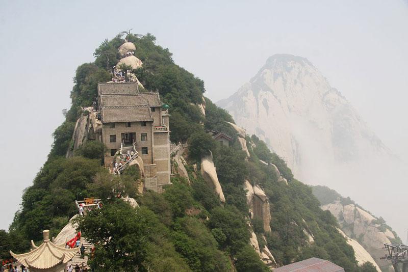 n Huashan_Mountain_1