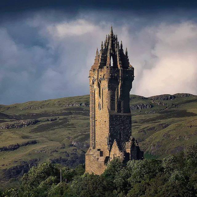 n wallace monument