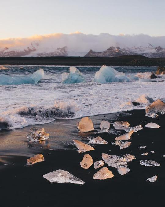 n diamond beach iceland