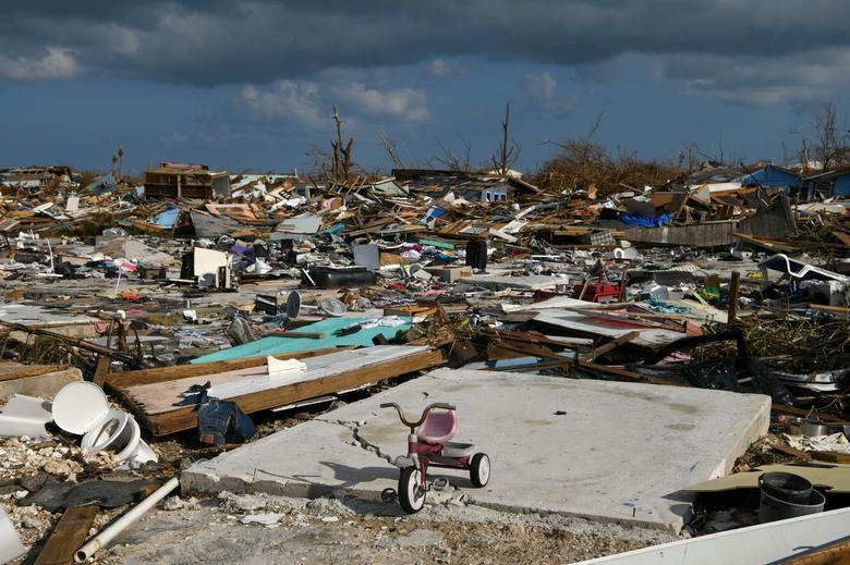 n aftermath of hurricaine in bermuda dbell