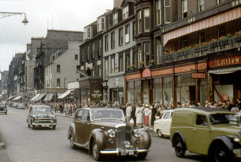 Amazing Color Snaps That Capture Street Scenes of Edinburgh, Scotland in  the Early 1960s ~ Vintage Everyday